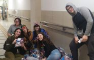 קבוצת נוער 'אחרי' יוצאים לשמח בבית חולים